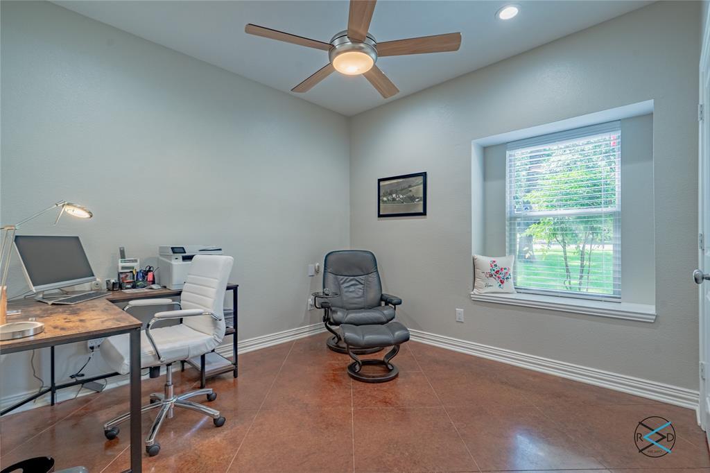 124 Robin Hood  Way, Gun Barrel City, Texas 75156 - acquisto real estate best new home sales realtor linda miller executor real estate