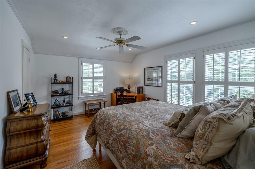 1154 Edgefield  Avenue, Dallas, Texas 75208 - acquisto real estate best photos for luxury listings amy gasperini quick sale real estate