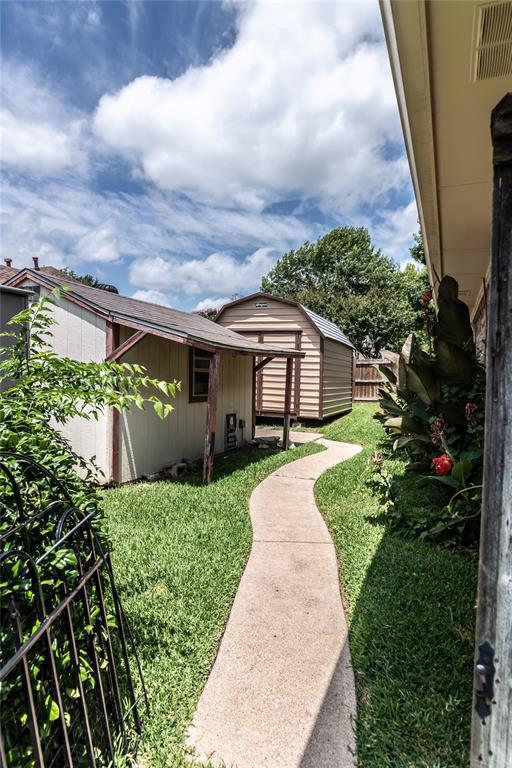 4002 Thornhill  Way, Rowlett, Texas 75088 - acquisto real estate best negotiating realtor linda miller declutter realtor