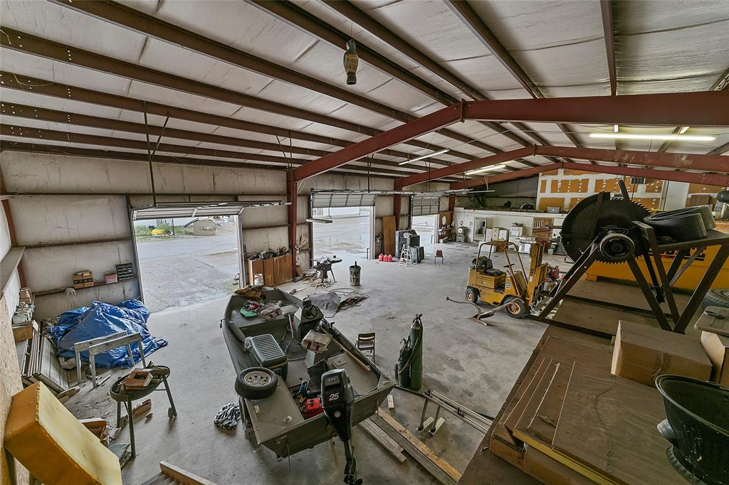 2405 Highway 82  Gainesville, Texas 76240 - acquisto real estate best listing listing agent in texas shana acquisto rich person realtor