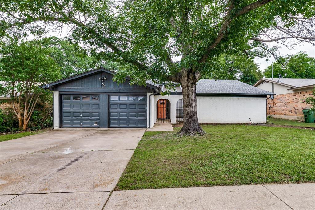 2703 Colleen  Drive, Arlington, Texas 76016 - Acquisto Real Estate best plano realtor mike Shepherd home owners association expert