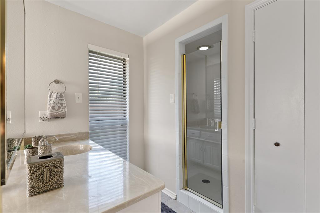6304 Telluride  Lane, Dallas, Texas 75252 - acquisto real estate best investor home specialist mike shepherd relocation expert
