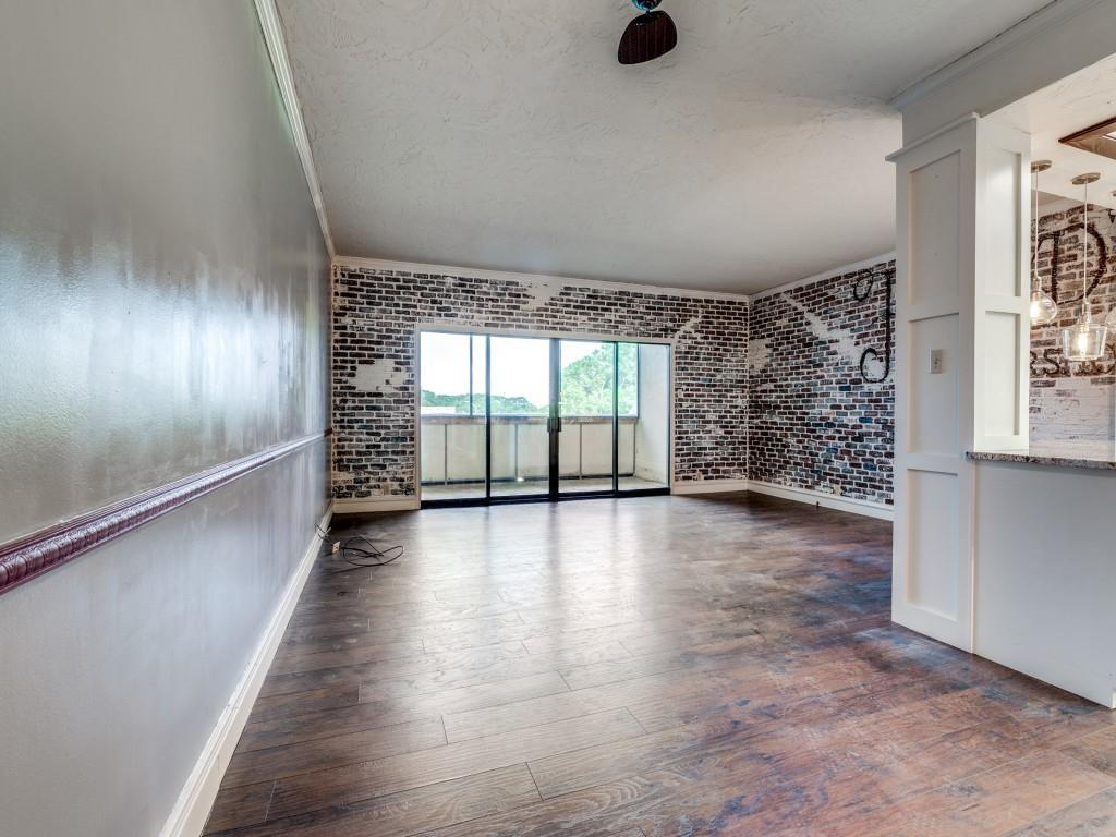 2100 Reflection Bay  Drive, Arlington, Texas 76013 - acquisto real estate best real estate company to work for