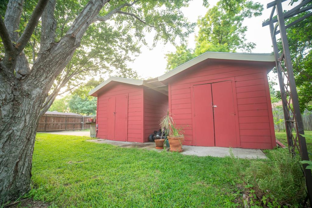 9944 Dickens  Drive, Benbrook, Texas 76126 - acquisto real estate best realtor westlake susan cancemi kind realtor of the year
