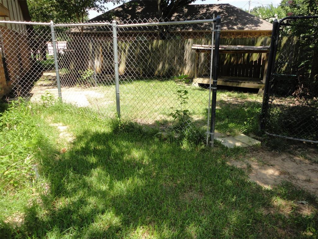 3422 Malibu  Court, Arlington, Texas 76017 - acquisto real estate mvp award real estate logan lawrence