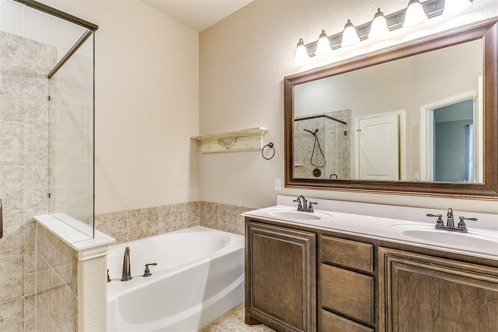 1000 Tarragon  Drive, Burleson, Texas 76028 - acquisto real estate best photo company frisco 3d listings