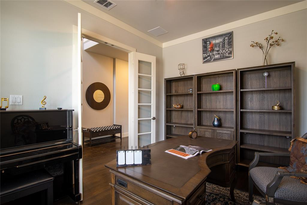 1317 Scarlet Oak  Drive, Arlington, Texas 76005 - acquisto real estate best highland park realtor amy gasperini fast real estate service