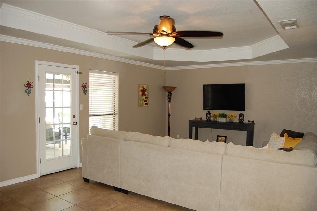 1402 Los Colinos  Court, Graham, Texas 76450 - acquisto real estate best the colony realtor linda miller the bridges real estate