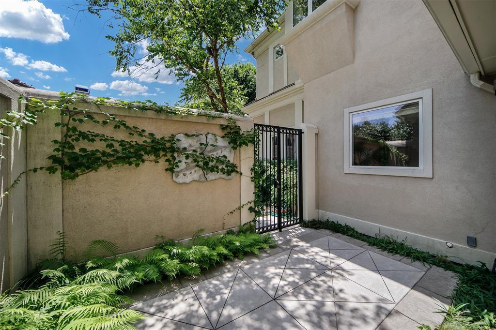 13203 Glad Acres  Drive, Farmers Branch, Texas 75234 - acquisto real estate best negotiating realtor linda miller declutter realtor