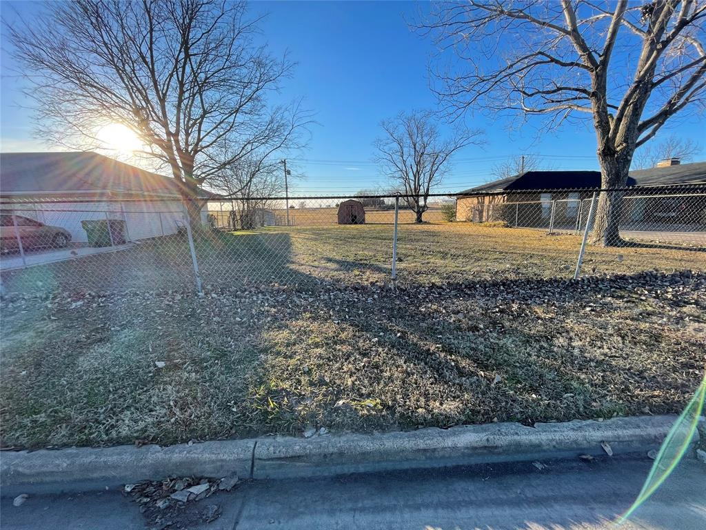 6704 Sayle  Street, Greenville, Texas 75402 - acquisto real estate best prosper realtor susan cancemi windfarms realtor