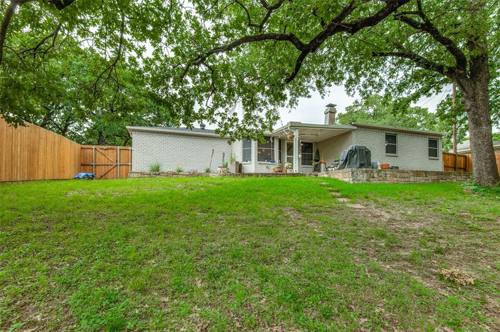 816 Wade  Drive, Bedford, Texas 76022 - acquisto real estate best investor home specialist mike shepherd relocation expert