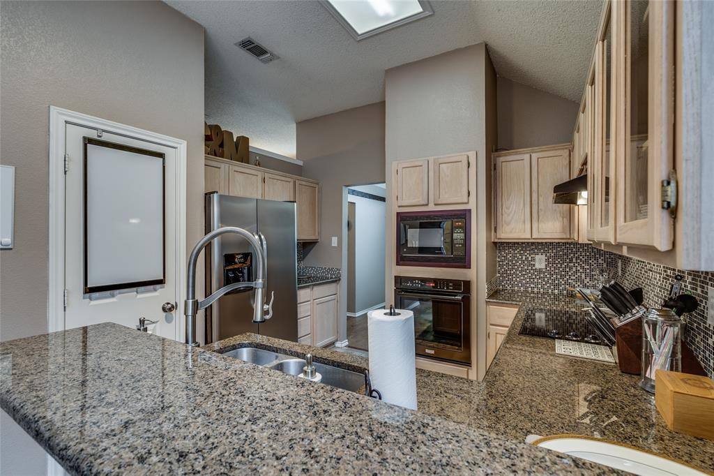 7624 Arbor Ridge  Court, Fort Worth, Texas 76112 - acquisto real estate best highland park realtor amy gasperini fast real estate service