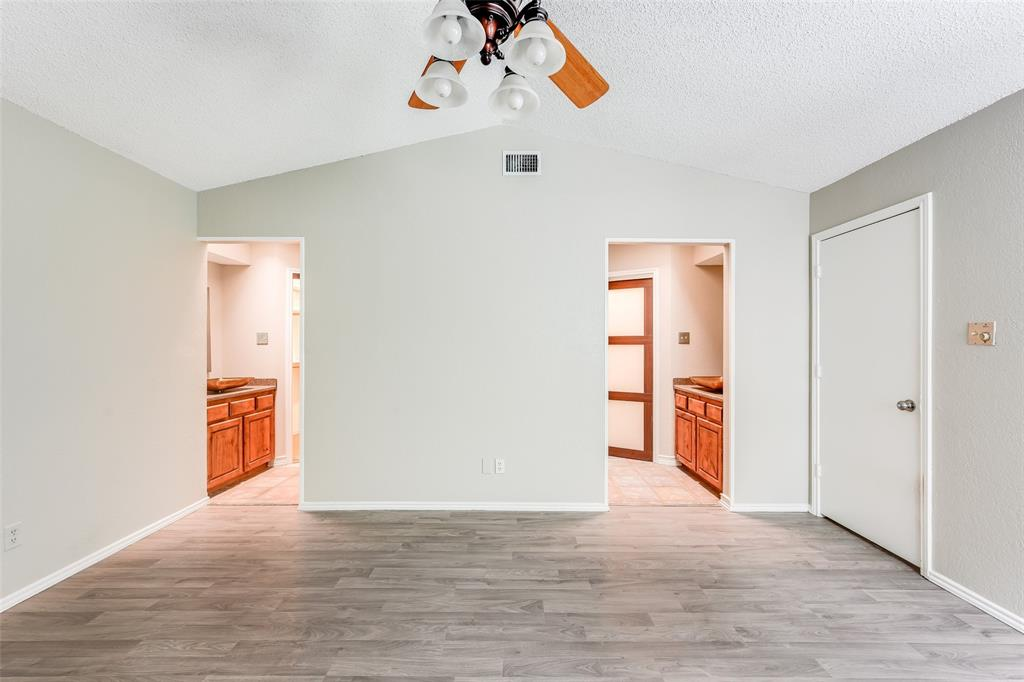1025 Hills  Terrace, Saginaw, Texas 76179 - acquisto real estate best investor home specialist mike shepherd relocation expert