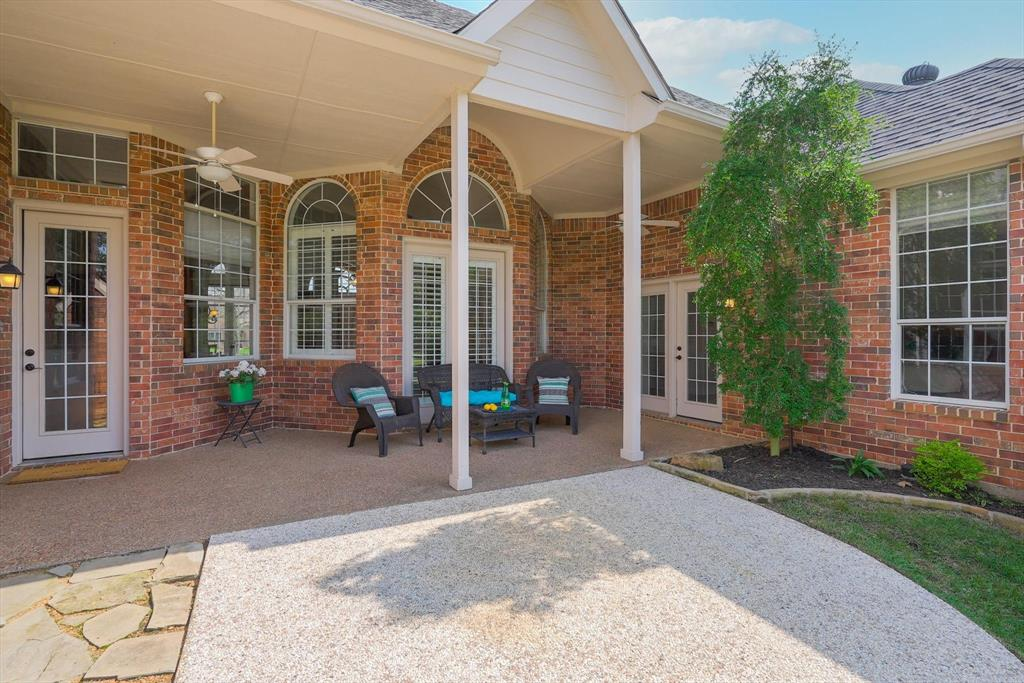 100 Maple Leaf  Double Oak, Texas 75077 - acquisto real estate agent of the year mike shepherd