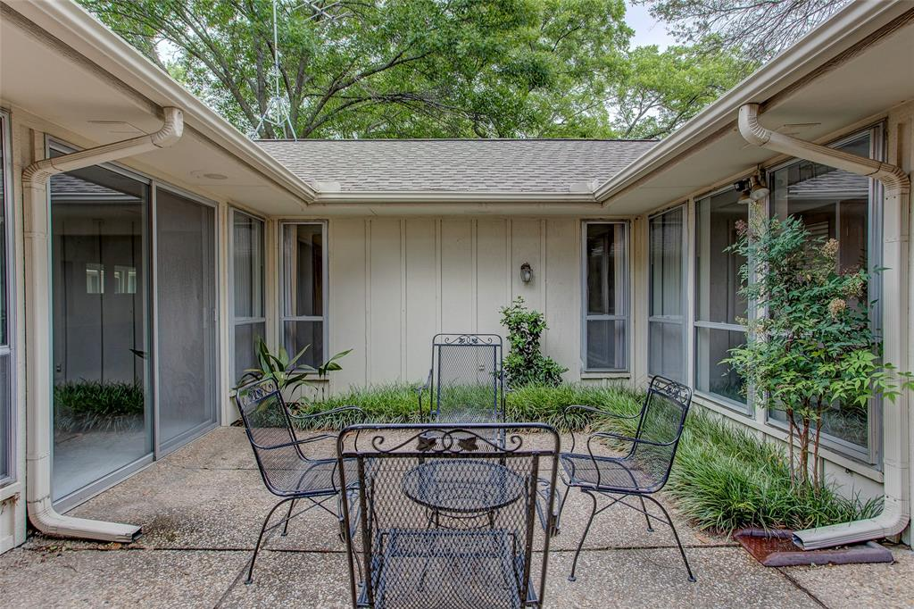 1513 Northcrest  Court, Fort Worth, Texas 76107 - acquisto real estate mvp award real estate logan lawrence
