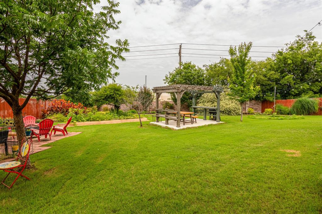 947 Yucca  Court, Burleson, Texas 76028 - acquisto real estate best real estate follow up system katy mcgillen