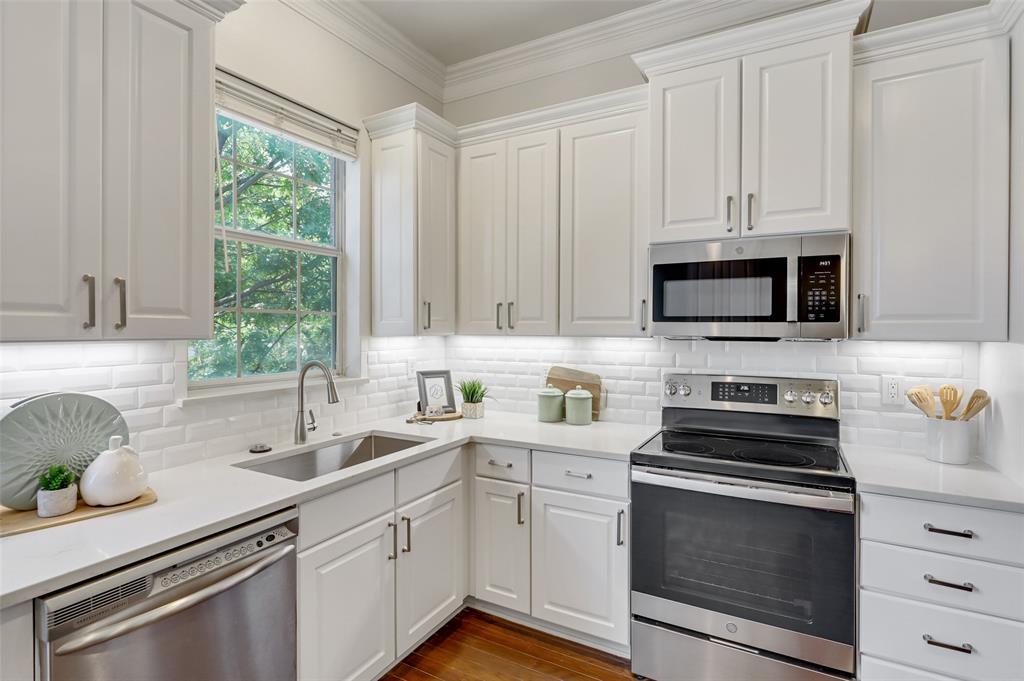 5803 Lewis  Street, Dallas, Texas 75206 - acquisto real estate best prosper realtor susan cancemi windfarms realtor
