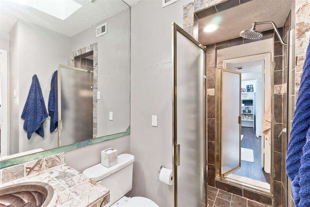 18240 Midway  Road, Dallas, Texas 75287 - acquisto real estate best realtor dfw jody daley liberty high school realtor