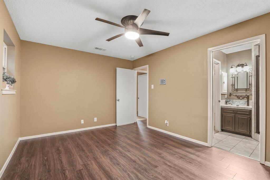 800 Prestwick  Street, Bedford, Texas 76022 - acquisto real estate best photo company frisco 3d listings