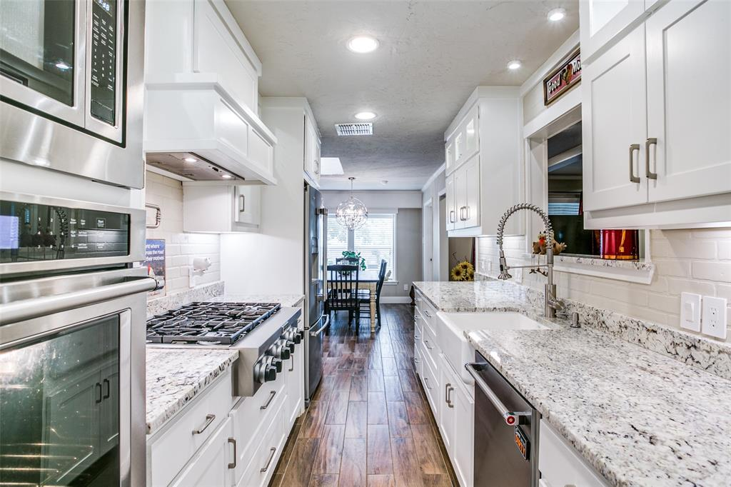809 Wheelwood  Drive, Hurst, Texas 76053 - acquisto real estate best new home sales realtor linda miller executor real estate