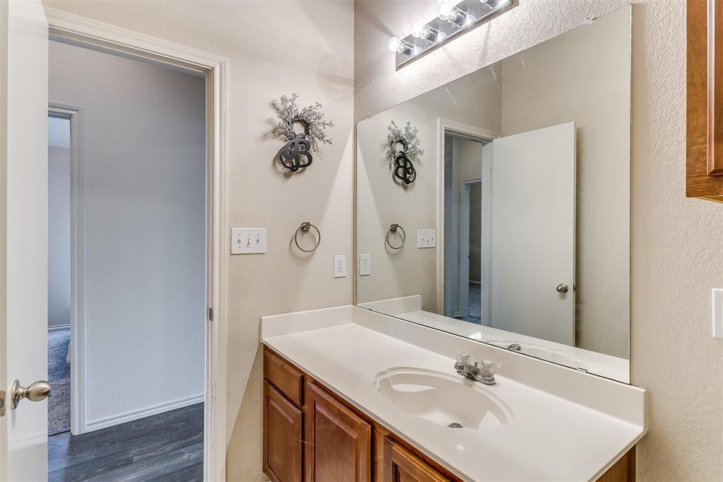 203 Seminole  Trail, Alvarado, Texas 76009 - acquisto real estate agent of the year mike shepherd