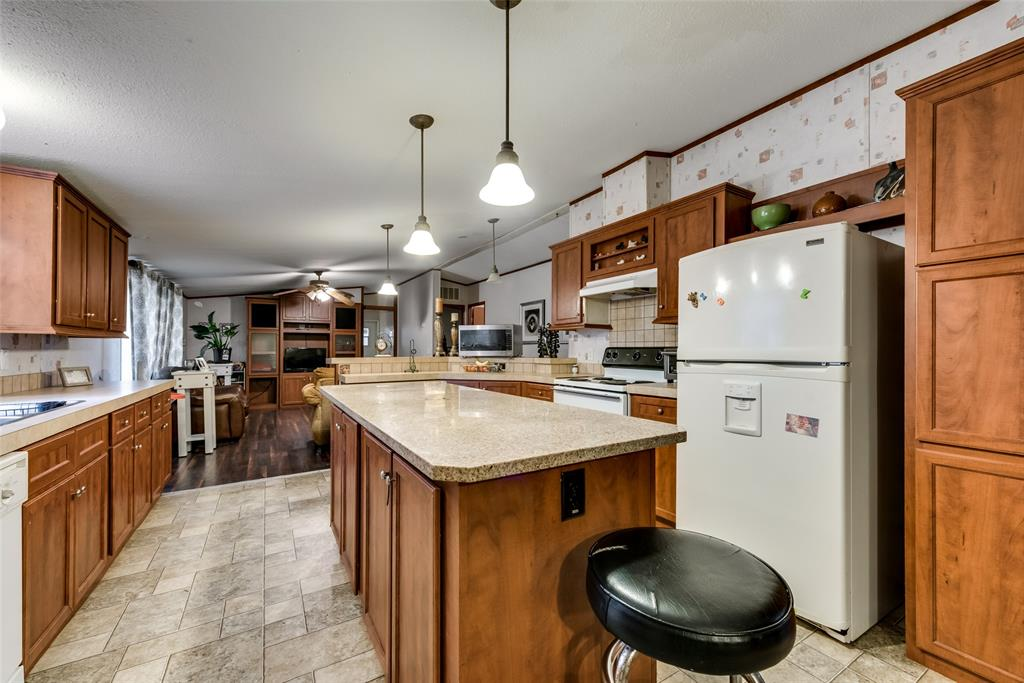 729 Briarwood  Court, Kemp, Texas 75143 - acquisto real estate best real estate company to work for