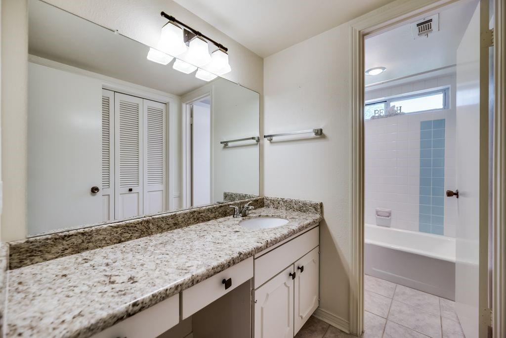 7760 El Pensador  Drive, Dallas, Texas 75248 - acquisto real estate best realtor foreclosure real estate mike shepeherd walnut grove realtor