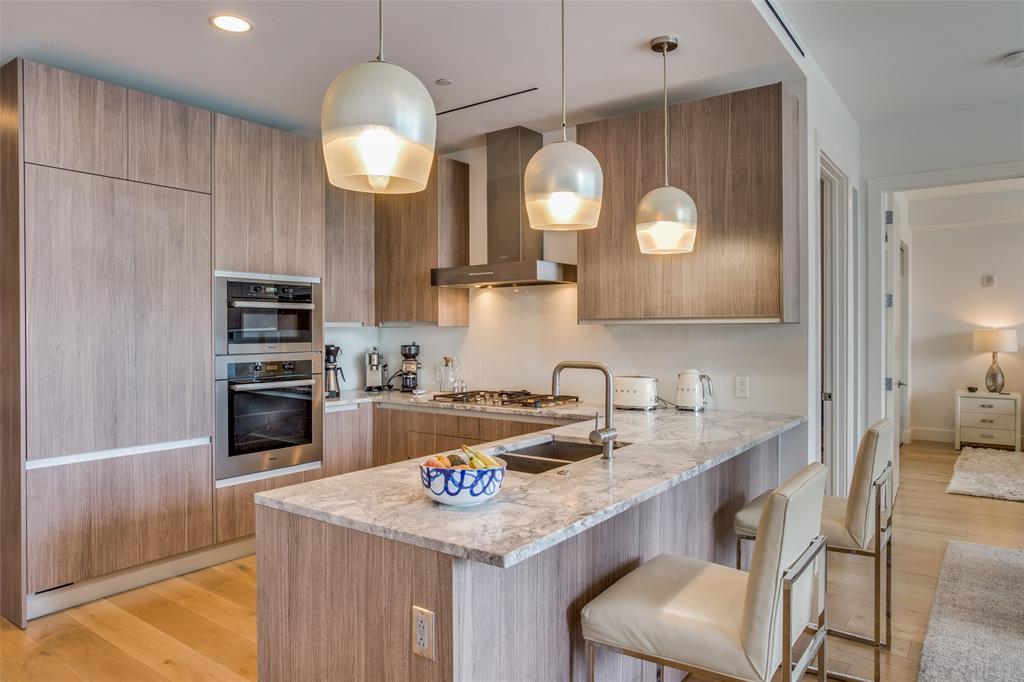 3130 Harwood  Street, Dallas, Texas 75201 - acquisto real estate best prosper realtor susan cancemi windfarms realtor