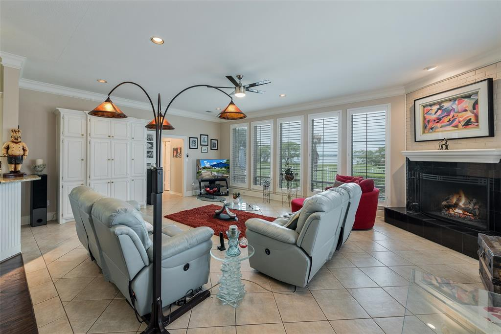 303 Stonebridge  Drive, Rockwall, Texas 75087 - acquisto real estate best realtor foreclosure real estate mike shepeherd walnut grove realtor