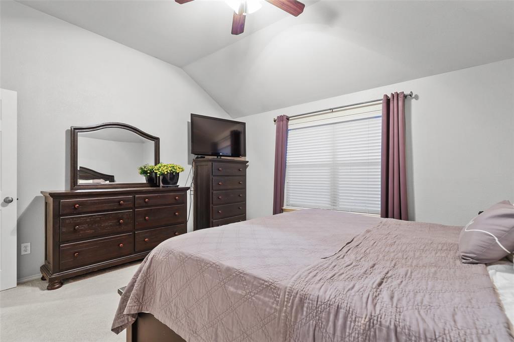1432 Castlegar  Lane, Fort Worth, Texas 76247 - acquisto real estate best investor home specialist mike shepherd relocation expert