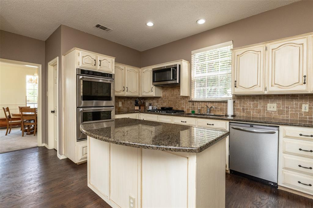 3104 Willow Creek  Way, Bedford, Texas 76021 - acquisto real estate best photos for luxury listings amy gasperini quick sale real estate