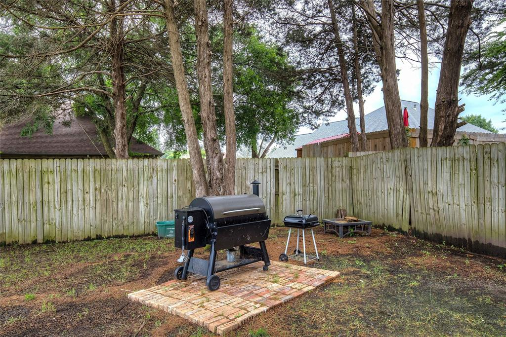 6907 Gold  Street, Greenville, Texas 75402 - acquisto real estate best realtor foreclosure real estate mike shepeherd walnut grove realtor