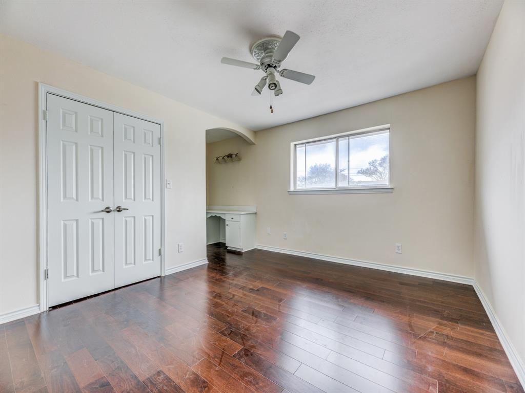 5833 Sandhurst  Lane, Dallas, Texas 75206 - acquisto real estate best the colony realtor linda miller the bridges real estate