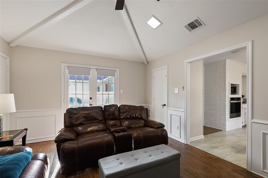 6304 Telluride  Lane, Dallas, Texas 75252 - acquisto real estate best new home sales realtor linda miller executor real estate