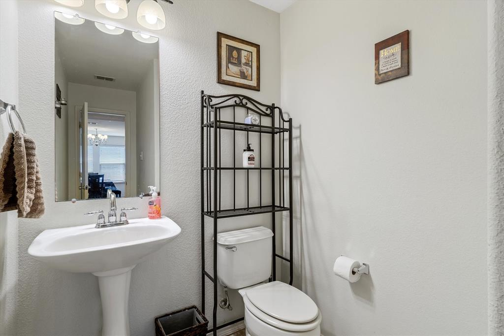 1308 Luckenbach  Drive, Forney, Texas 75126 - acquisto real estate best photos for luxury listings amy gasperini quick sale real estate