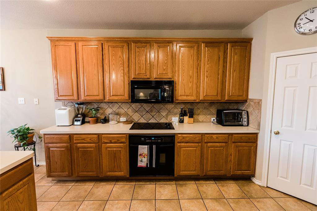 1203 Wentwood  Drive, Corinth, Texas 76210 - acquisto real estate best real estate company to work for