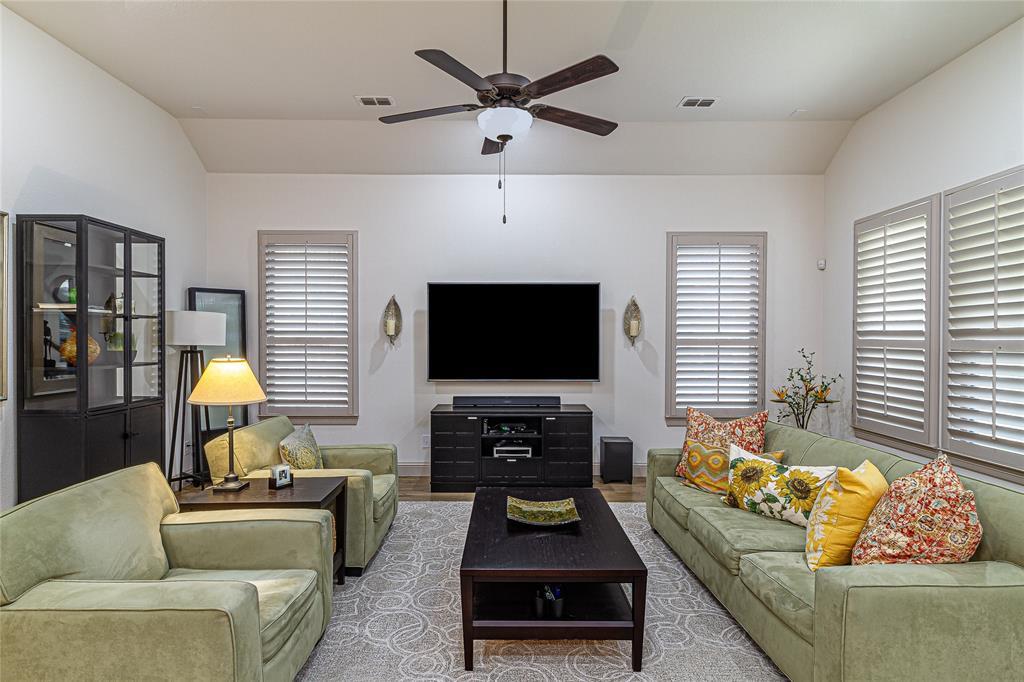 5613 Port Vale  Drive, McKinney, Texas 75071 - acquisto real estate best designer and realtor hannah ewing kind realtor