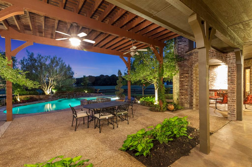 2 Groves  Circle, Argyle, Texas 76226 - acquisto real estate best highland park realtor amy gasperini fast real estate service