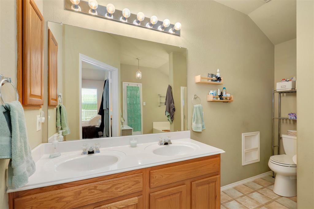 1012 Aviary  Drive, Aubrey, Texas 76227 - acquisto real estate best frisco real estate broker in texas for high net worth buyers