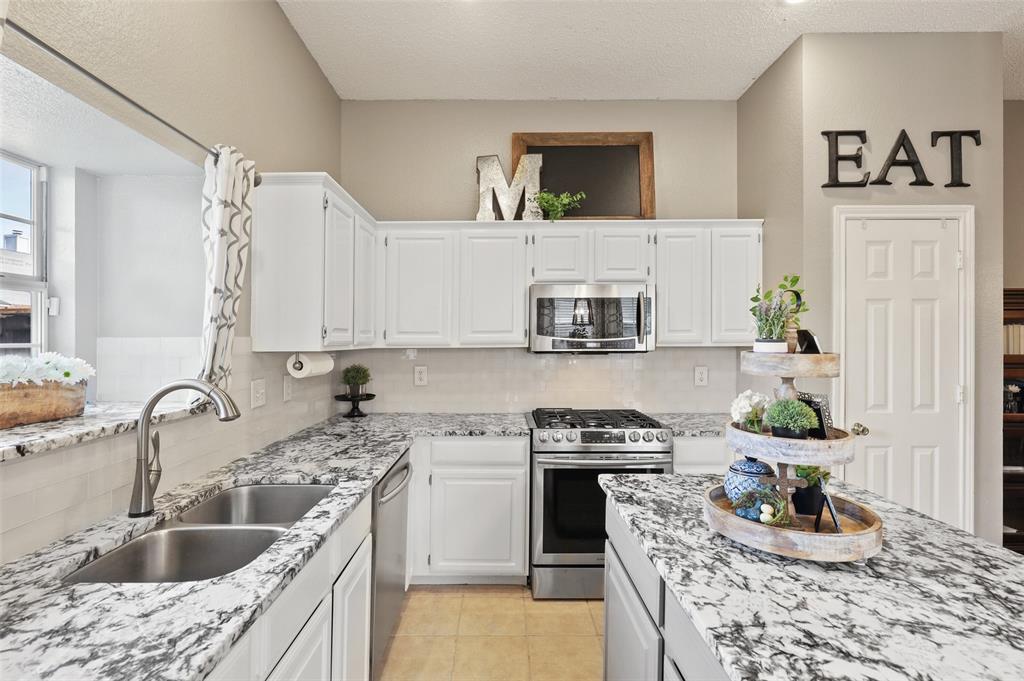 8105 Bells  Street, Frisco, Texas 75035 - acquisto real estate best allen realtor kim miller hunters creek expert