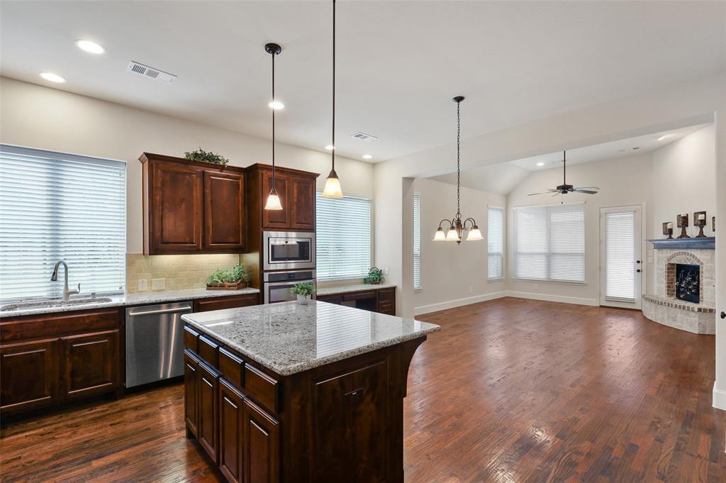 1624 Golf Club  Drive, Lantana, Texas 76226 - acquisto real estate best new home sales realtor linda miller executor real estate
