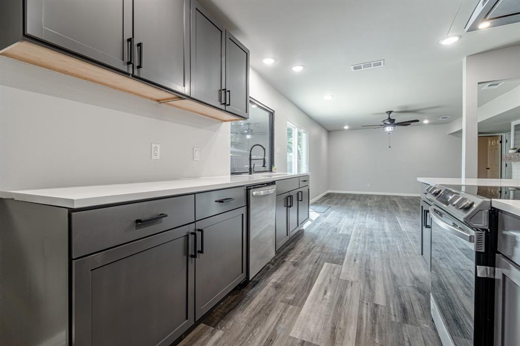 6221 Glenmoor  Drive, Garland, Texas 75043 - acquisto real estate best luxury buyers agent in texas shana acquisto inheritance realtor