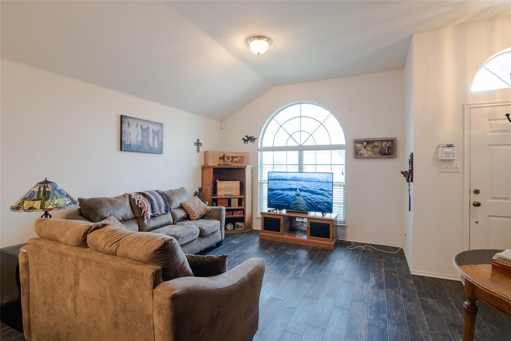 1019 Maria  Drive, Grand Prairie, Texas 75052 - acquisto real estate best highland park realtor amy gasperini fast real estate service