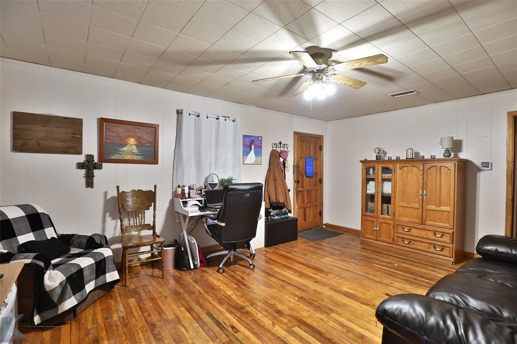 813 Orient  Street, Stamford, Texas 79553 - acquisto real estate best celina realtor logan lawrence best dressed realtor