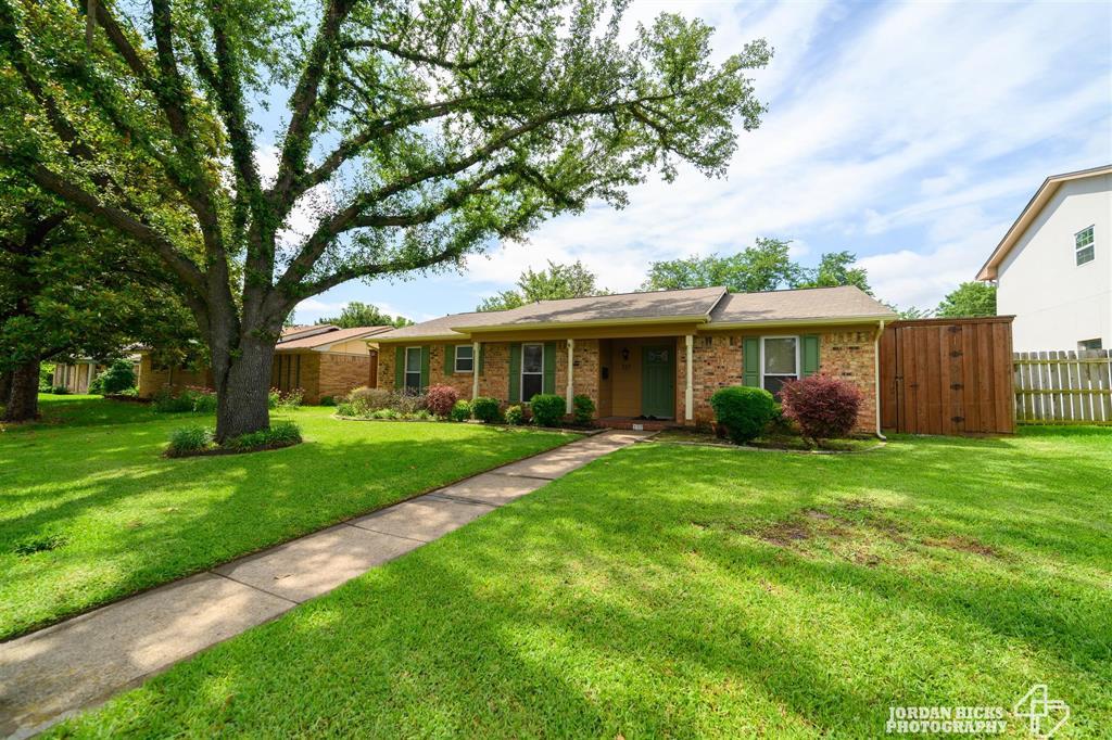 737 Snowden  Drive, Richardson, Texas 75080 - Acquisto Real Estate best mckinney realtor hannah ewing stonebridge ranch expert