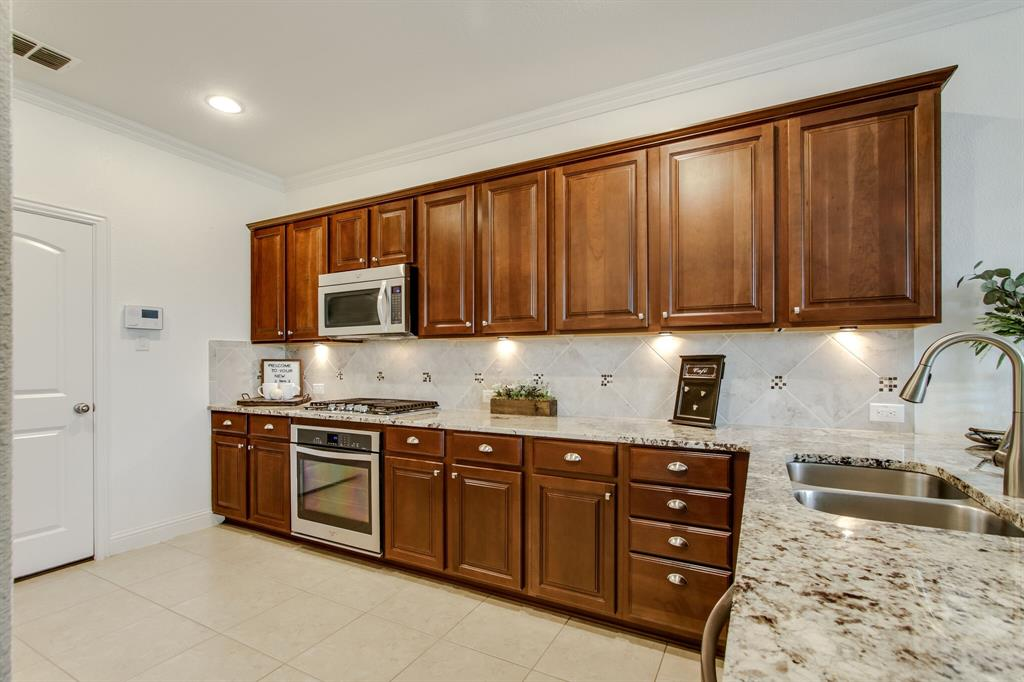 385 Busher  Drive, Lewisville, Texas 75067 - acquisto real estate best luxury buyers agent in texas shana acquisto inheritance realtor