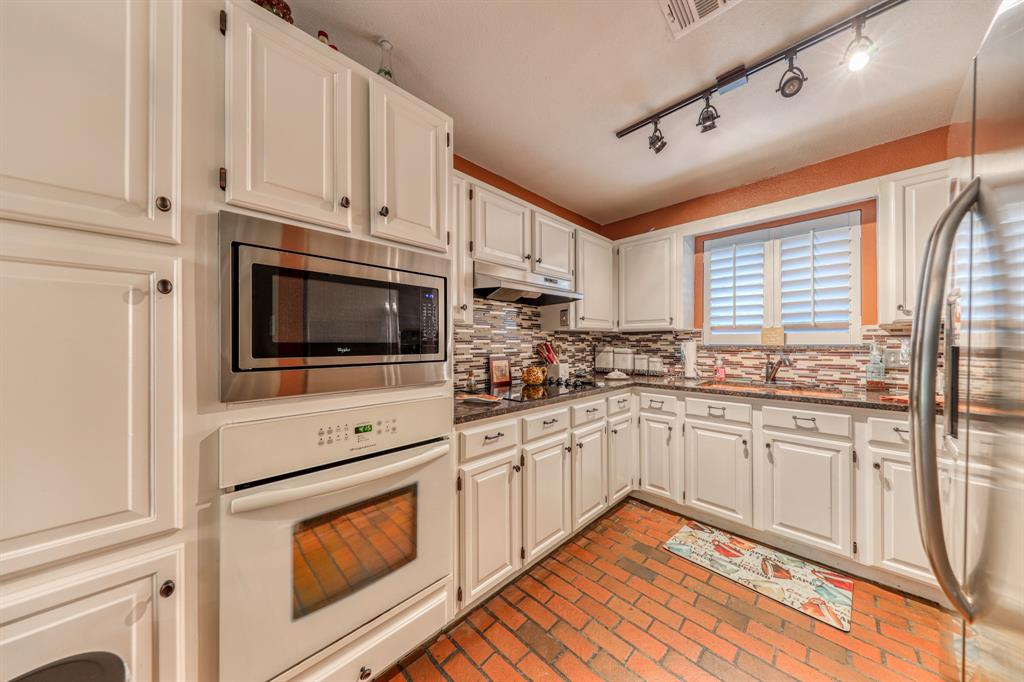 807 Hilltop  Drive, Weatherford, Texas 76086 - acquisto real estate best listing listing agent in texas shana acquisto rich person realtor