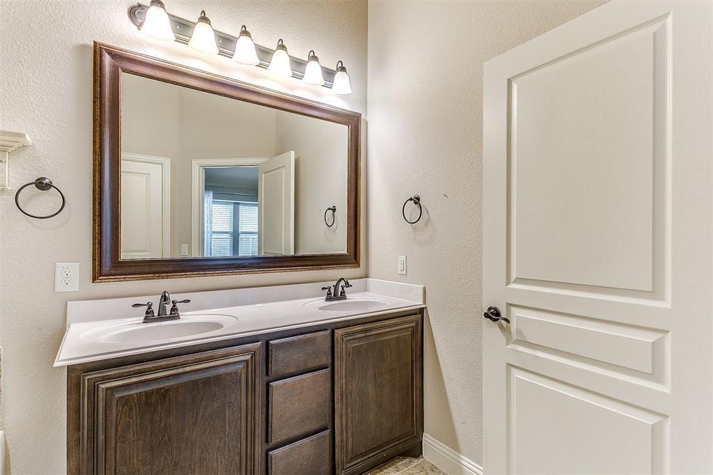 1000 Tarragon  Drive, Burleson, Texas 76028 - acquisto real estate best negotiating realtor linda miller declutter realtor