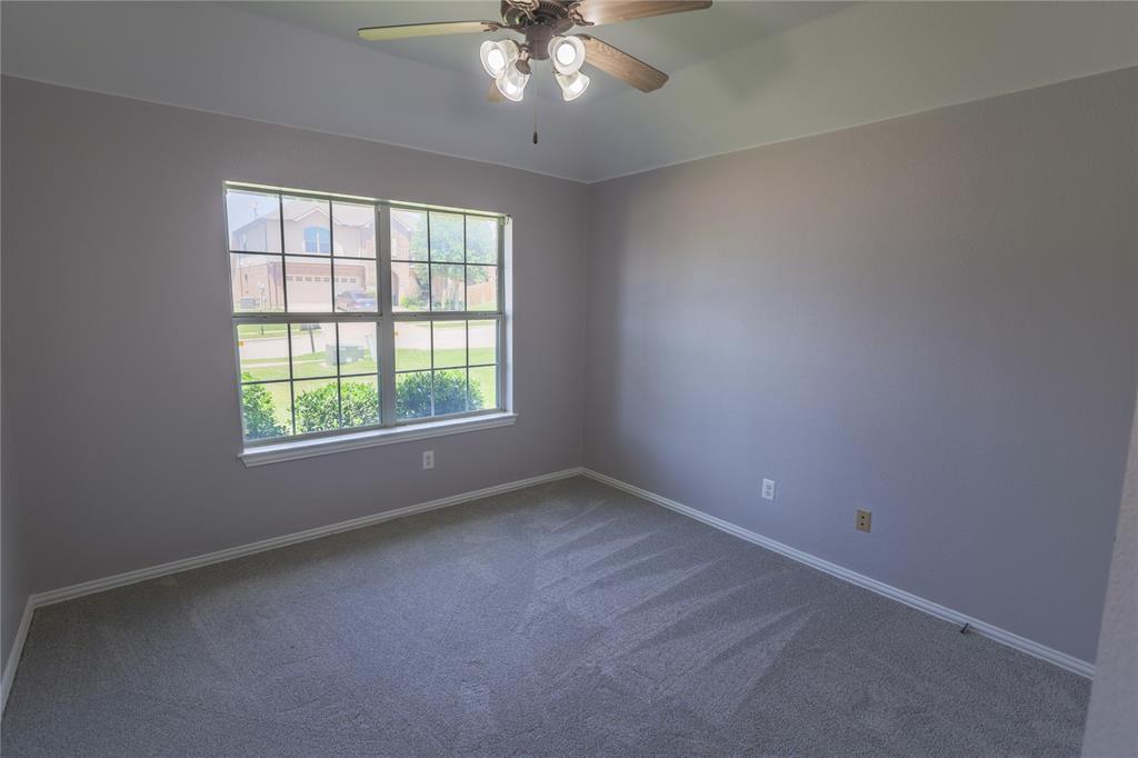 8104 Toltec  Court, Arlington, Texas 76002 - acquisto real estate best realtor foreclosure real estate mike shepeherd walnut grove realtor