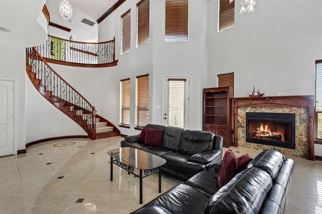 4714 Alcazar  Court, Irving, Texas 75062 - acquisto real estate best prosper realtor susan cancemi windfarms realtor
